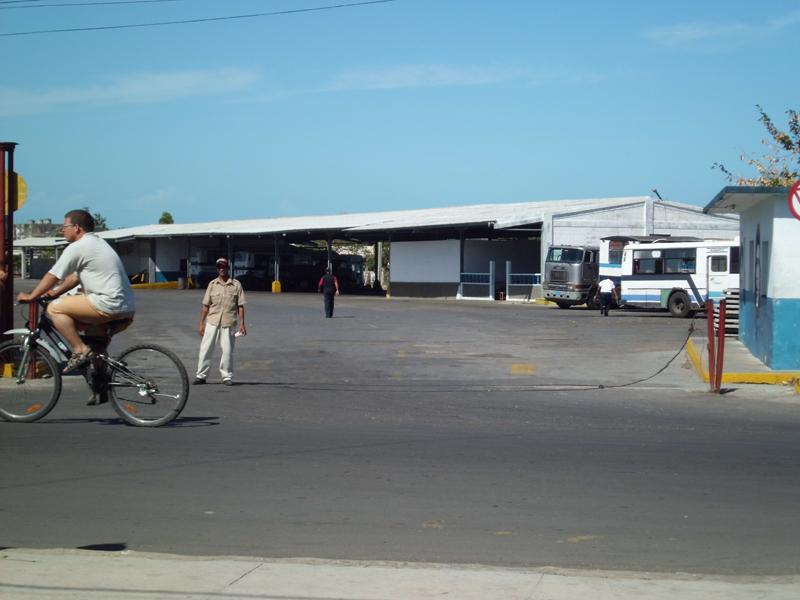estacion autobuses gerona: