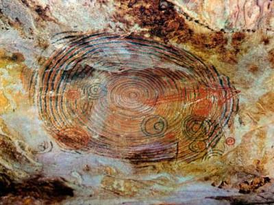 Pictografias-en-las-Cuevas-de-Punta-del-este........_